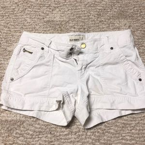 White Old Navy shorts